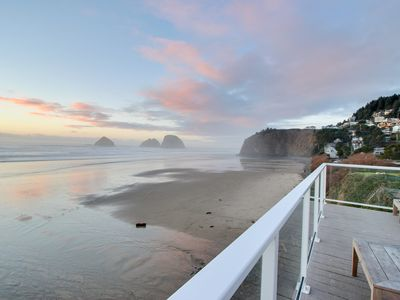 Photo for Oceanfront studio w/ easy beach access - dogs welcome!