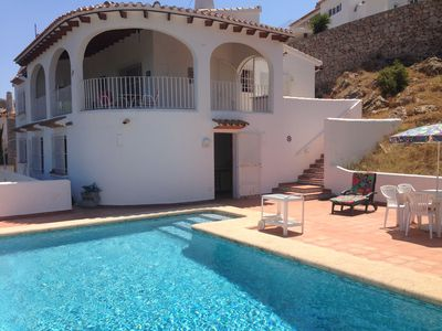 Photo for Villa with magnificent views, private pool, Wifi, TV-SAT, barbecue, dishwasher