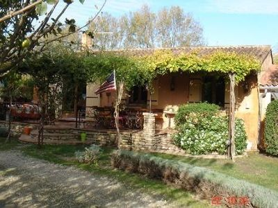 Photo for L'Isle sur la Sorgue: villa with swimming pool, in the middle of apple orchards