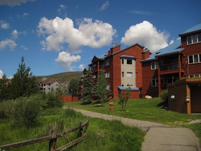 Photo for Walk, Shuttle to Keystone Dining, Shops, Activities. Deck, Fireplace, Grill