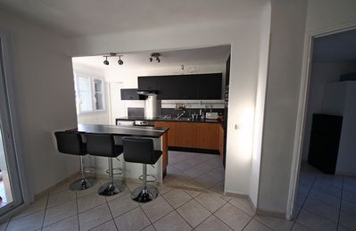 Photo for 3 bedroom apartment in private residence, close to downtown and old port