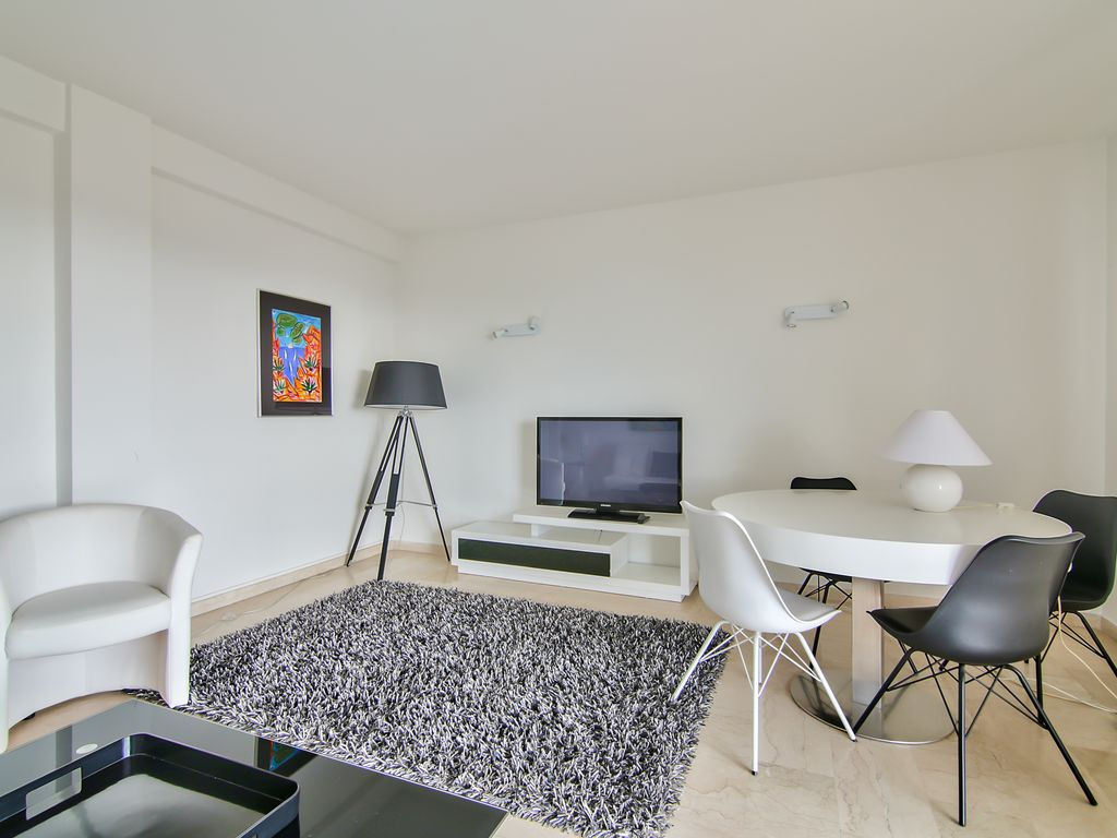 Superb apartment pool view 5 mn beach, Antibes,Cote d\'Azur- French ...
