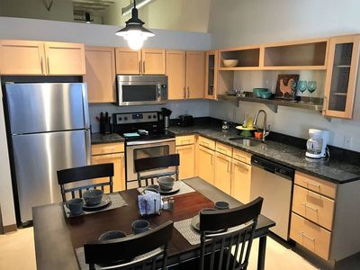 Photo for Apartment 929 m from the center of Pittsburgh with Internet, Washing machine, Air conditioning, Pool (923127)