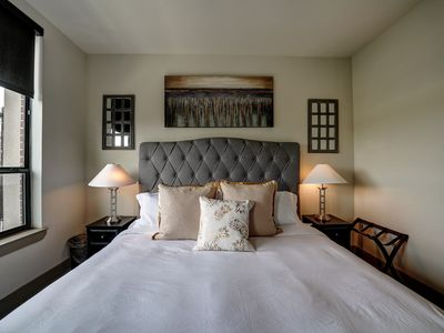 Photo for Midtown Luxury   King Bed   Fast Wifi   4K TVs
