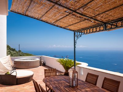 Photo for Villa Cinzia. Large villa with pool, jacuzzi, stunning sea view