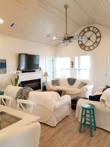 Photo for Beautiful remodeled O BAY B