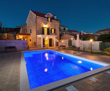 Photo for Holiday house stone with Pool
