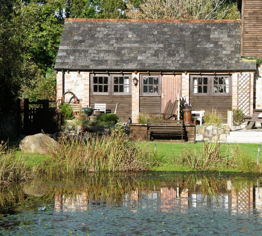 Help Finding Rental Homes: Owls Roost, Charming Lakeside Cottage With ...