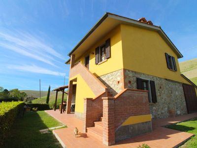 Photo for 4 bedroom Villa, sleeps 8 in Fattoria Spedaletto with Pool and WiFi