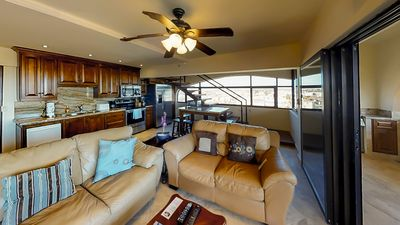 Photo for Great Location, Great View 2 Bedroom Penthouse Condo