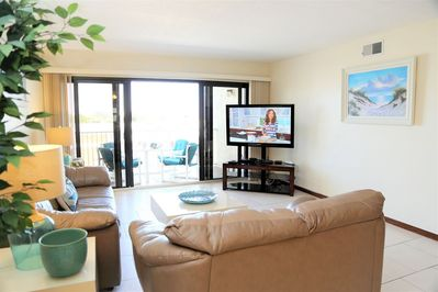 Living Room is complete with a 45' LCD TV and DVD Player