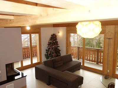 Photo for Luxurious 5*, 4-bedroom apartment on the ski slopes: ski in / ski out for 10 persons.  Ground floor: