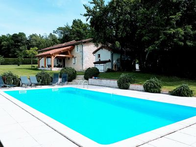 Photo for Beautiful holiday home with swimming pool, walking distance from the centre of Verteillac (1 km)