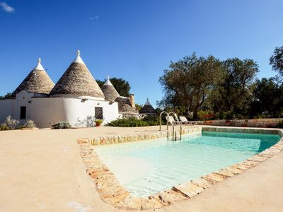 Photo for Trullo Il Paradiso, with pool in Apulia