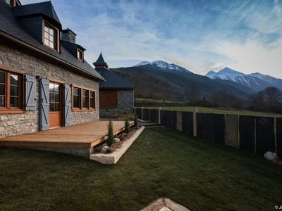 Photo for Chalet of character comfort & SPA overlooking the valley Le NÉOUVIELLE