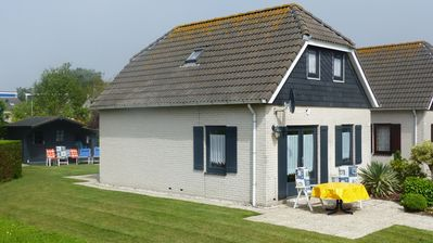 Photo for Comfortable holiday home for 6 persons, Ouddorp, South Holland, NL