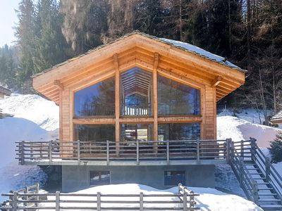 Photo for Chalet Anna for 8 people, a short walk to the pistes