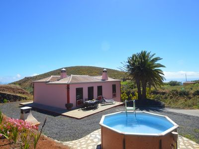 Photo for Las Embelgas Rural Cottage with private pool in Puntallana