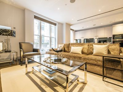 Photo for Luxurious Three Bedroom Apartment with Concierge