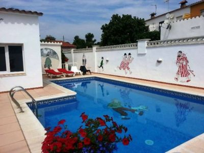 Photo for House for 8 people with a nice private pool and terrace in L'Escala