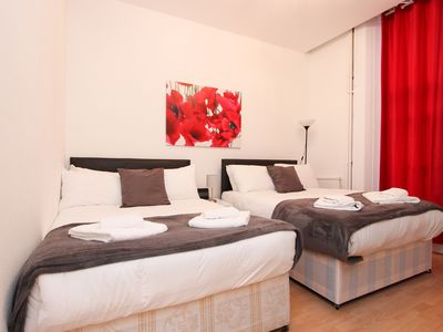 Photo for Family Studio Sleeps 4 Next to Hyde Park GT11