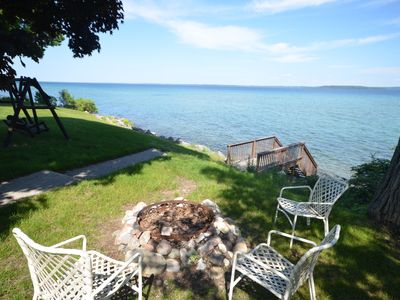 Traverse City-West Bay lakefront home-Central air
