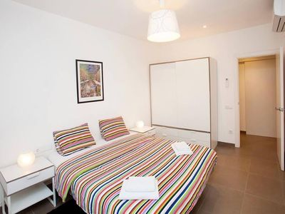 Photo for Sunny and fully equipped apartment near Plaza Catalunya.