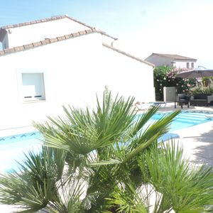 Photo for Detached villa with pool near Montpellier for 6 people