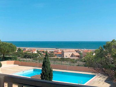 Photo for One bedroom Apartment, sleeps 6 in Saint-Pierre-sur-Mer with Pool and WiFi
