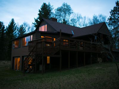 LITTLE LAKE COTTAGE: 2020 OPEN! 20 minutes from Marquette! Pet-friendly, private lakefront home!