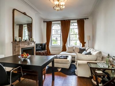 Photo for Gorgeous 1 bed in Notting Hill w/balcony & garden