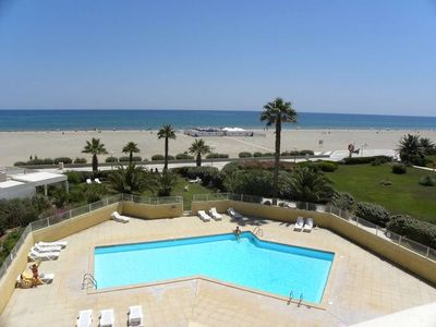 Photo for 4 assets: directly in the water, sea view, pool, parking