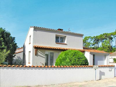 Photo for Vacation home Les Etrilles  in La Tranche - sur - Mer, Vendee - 4 persons, 2 bedrooms