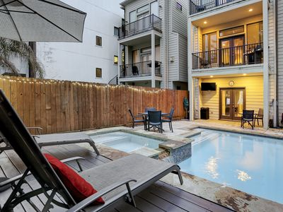 Photo for 3 Bedroom 3.5 Bath Townhome w Private Pool Oasis
