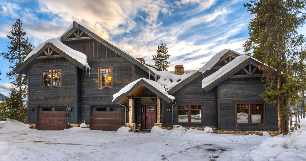 Ultra luxe 7000 sqft winter park cabin fraser winter park for Winter park colorado cabins