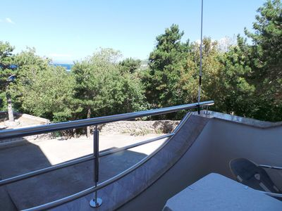 Photo for Studio with air conditioning, balcony and sea view 150 m from the beach