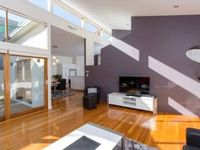 Very well set out property, plenty of room, and close to cbd