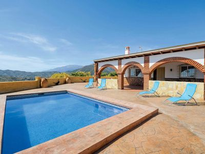 Photo for 2 bedroom Villa, sleeps 4 in Coria del Río with Pool and WiFi
