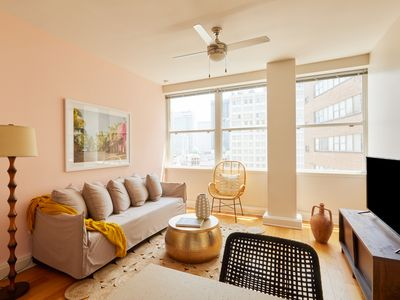 Photo for Sonder | Duncan Plaza | Bright 1BR + Fitness Room