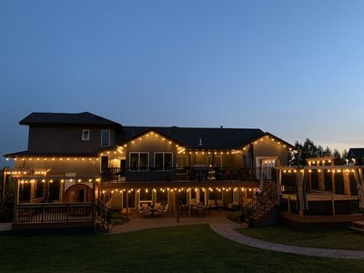 EVENING MAGIC. ENJOY YOURSELF ON THE MANY DECK LEVELS OR IN THE SAUNA, POOL OR HOT TUB. TOO MANY THINGS TO DO.