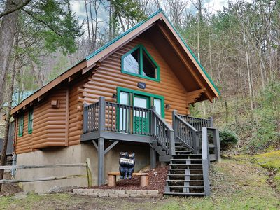 Photo for The Cuddle Hut is true to its name and is the perfect location in Gatlinburg