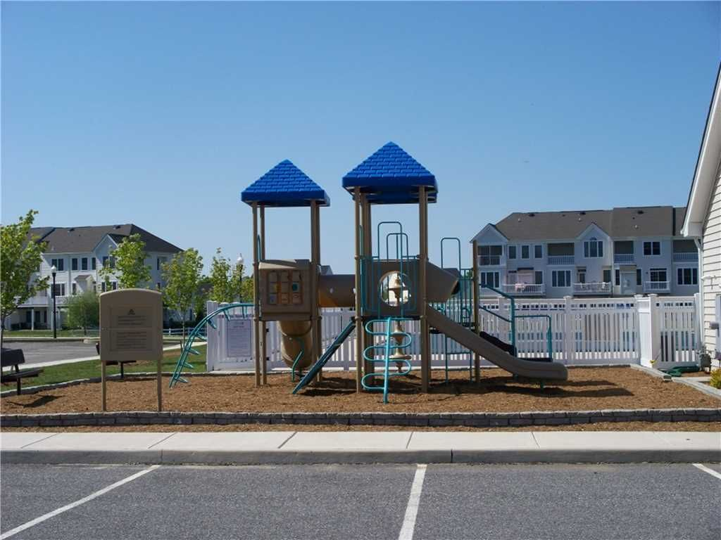 Beautiful town home with community pool tennis and - Public swimming pools in rehoboth beach ...