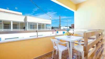 Photo for Apartment in Beach Location with Wi-Fi and Air Conditioning; Pets Allowed