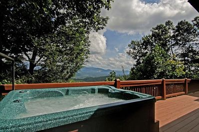Stargazer - Hot tub with view of the GA Mountains