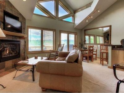 Mountaintop Hideaway, 3 Bed, 3 Bath, 3 levels of privacy on bus route