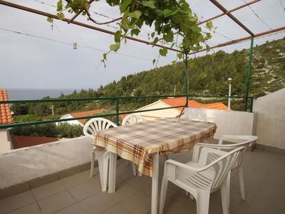 Photo for One bedroom apartment with terrace and sea view Ivan Dolac (Hvar)