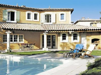 Photo for Residence Domaine de Fayence, Fayence  in Var - 10 persons, 3 bedrooms