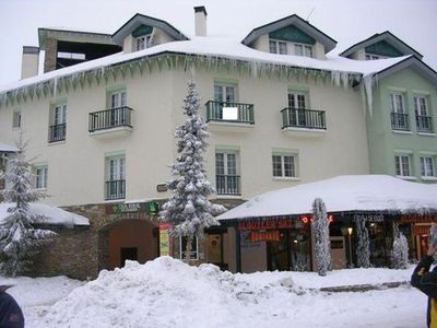 Photo for Cozy, well-kept, parking space, Wifi, on the slopes