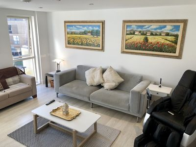 Photo for Brand New Modern 3 Bed Apartment Cambridge Centre + Parking space, sleeps 9