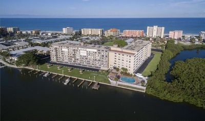 Photo for Bayshores Yacht & Tennis Club, 2 Bed 2 Bath on the Water! Heated Pool, Tennis...